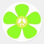 Signo de la paz del flower power pegatina redonda