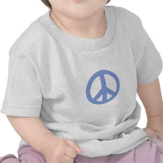 Signo de la paz en azules cielos en camiseta del