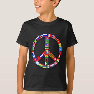 Signo de la paz hecho de las camisetas de las