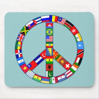 Signo de la paz hecho de productos de las banderas mousepad
