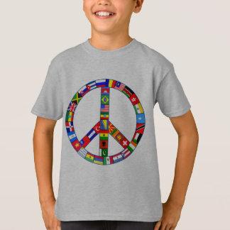 Signo de la paz hecho de productos de las banderas playera