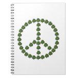 Signo de la paz irlandés libros de apuntes con espiral