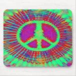 Signo de la paz psicodélico abstracto del teñido a tapetes de ratón