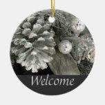 Signo positivo del cono del pino de plata adorno redondo de cerámica