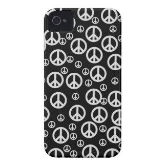 Signos de la paz blancos y negros iPhone 4 cárcasas