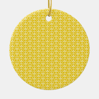 Signos de la paz en amarillo soleado adorno navideño redondo de cerámica