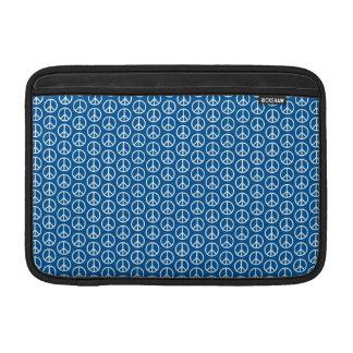 Signos de la paz retros en azul profundo funda  MacBook