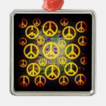 Signos de la paz y corazones ornamente de reyes