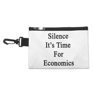 Silencio es hora para la economía