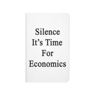 Silencio es hora para la economía cuadernos grapados