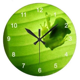 Silhouette of amagaeru large clock