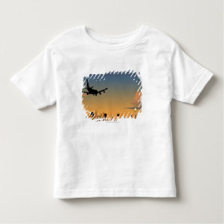 Silhouette of an airplane in flight toddler t-shirt