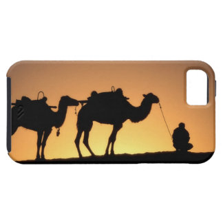Silhouette of camel caravan on the desert at 2 iPhone 5 cover