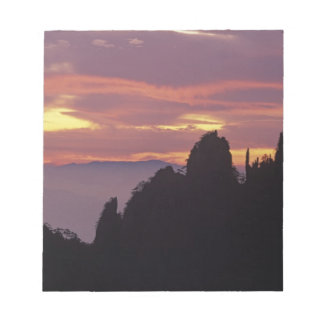 Silhouette of Mt. Huangshan (Yellow Mountain) at Notepad