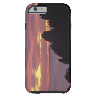 Silhouette of Mt. Huangshan (Yellow Mountain) at Tough iPhone 6 Case