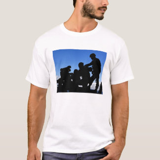 Silhouette of soldiers T-Shirt