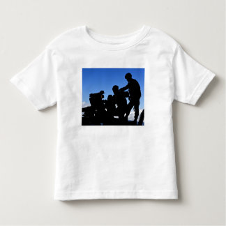 Silhouette of soldiers toddler t-shirt