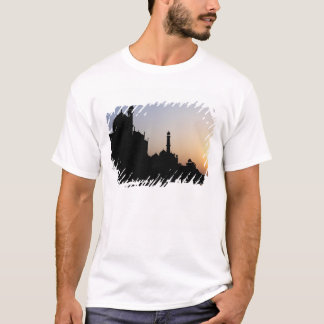 Silhouette of The Taj Mahal at sunset, Agra, T-Shirt
