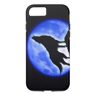 Silhouette of Wolf Howling at Moon in Blue Night iPhone 7 Case
