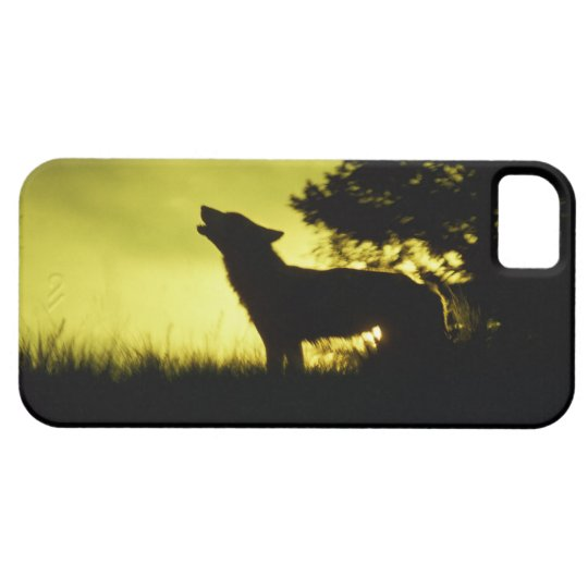 Silhouette of wolf howling iPhone SE/5/5s case