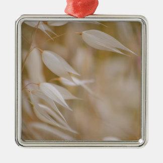 Silk Grass Ornament
