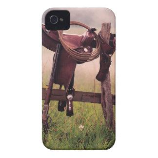 Silla de montar y lazo en la cerca iPhone 4 funda