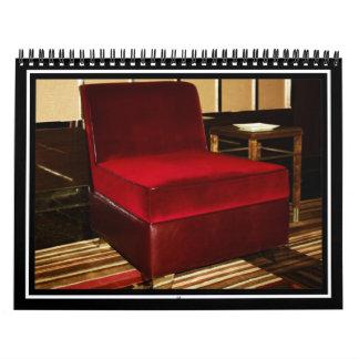 Silla roja del terciopelo calendario de pared