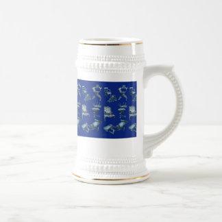 Sillas múltiples en azul marino jarra de cerveza