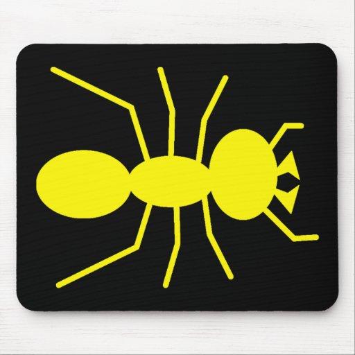 Silueta amarilla de la hormiga alfombrillas de ratones
