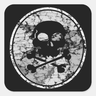 Silueta apenada B&W del cráneo y de la bandera Calcomanía Cuadrada Personalizada