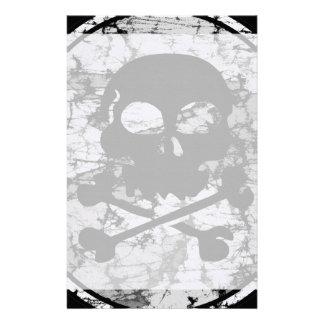 Silueta apenada B&W del cráneo y de la bandera pir Papelería Personalizada