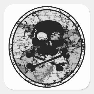 Silueta apenada B W del cráneo y de la bandera pir Colcomanias Cuadradas Personalizadas