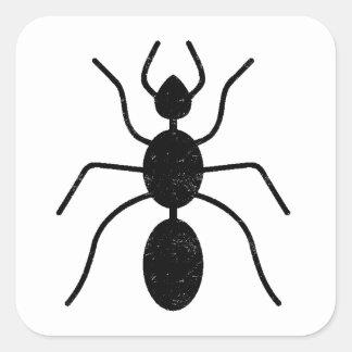 Silueta apenada de la hormiga pegatina cuadrada