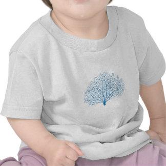 silueta azul del coral de la fan de mar camiseta