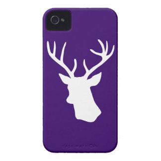 Silueta blanca de la cabeza de los ciervos - púrpu iPhone 4 carcasa