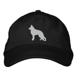 Silueta blanca del perro de pastor alemán gorras de béisbol bordadas