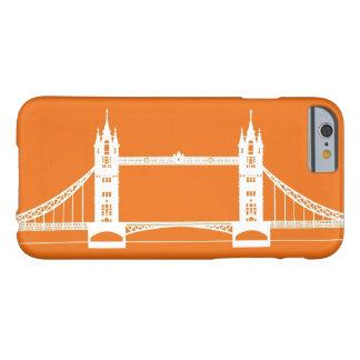 Silueta blanca y anaranjada del puente de Londres Funda Para iPhone 6 Barely There