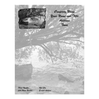 Silueta blanco y negro del árbol membrete personalizado