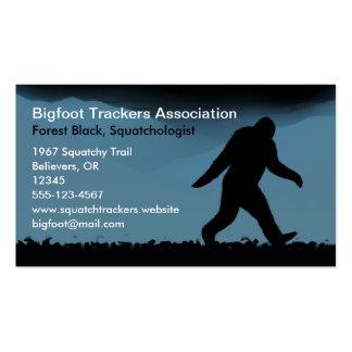 Silueta de Bigfoot en la noche Tarjetas De Visita