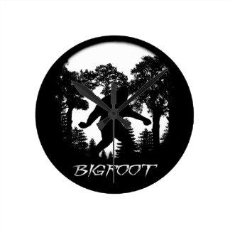 Silueta de Bigfoot Reloj De Pared
