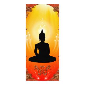 """Silueta de Buda con la luz que brilla intensamente Invitación 4"""" X 9.25"""""""