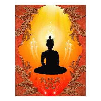 Silueta de Buda con la luz que brilla intensamente Plantilla De Membrete