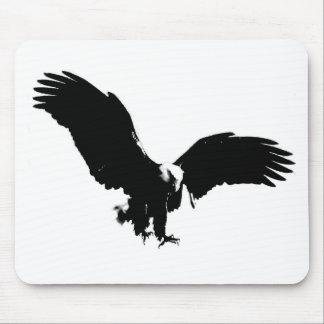 Silueta de Eagle calvo Mouse Pads
