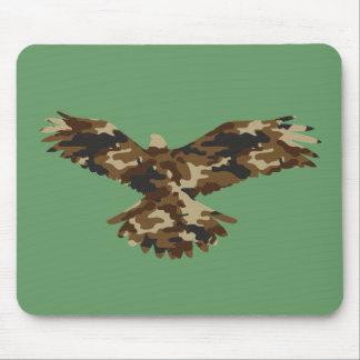 Silueta de Eagle del camuflaje Alfombrillas De Ratón