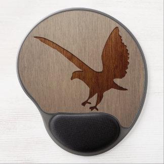 Silueta de Eagle grabada en el efecto de madera Alfombrillas De Ratón Con Gel