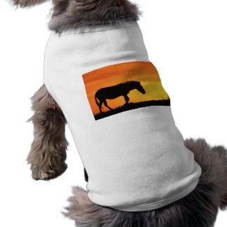 Silueta de la cebra camisetas de perro