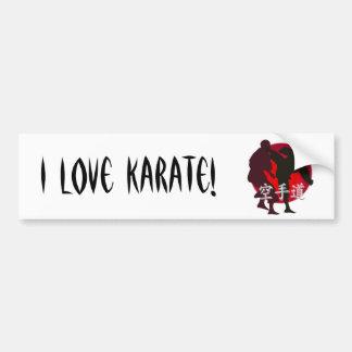 Silueta de la lucha del karate, fondo rojo del cír pegatina para auto