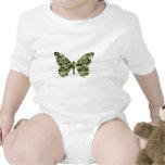 Silueta de la mariposa del camuflaje camisetas