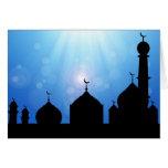Silueta de la mezquita con el resplandor solar - tarjetón