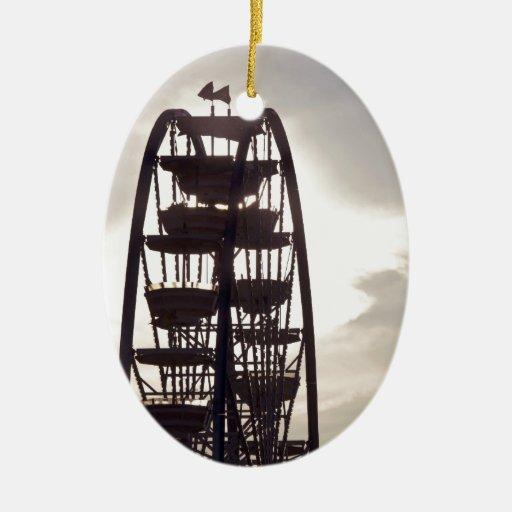 Silueta de la noria adorno navideño ovalado de cerámica